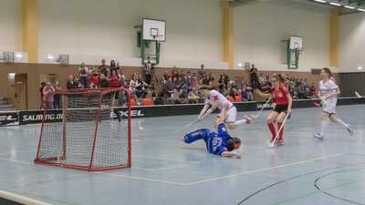 Torschuss beim Floorball